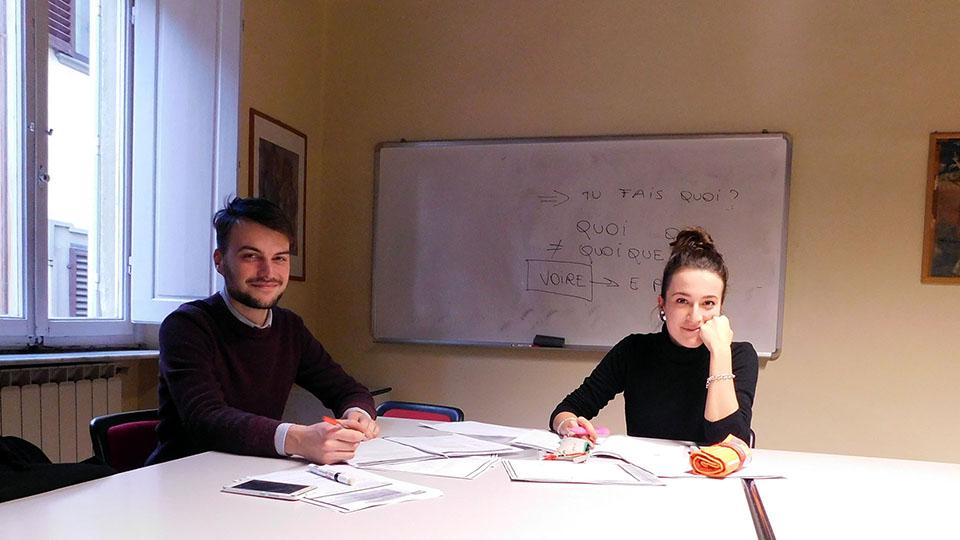 Corso di lingua francese con insegnante e studente